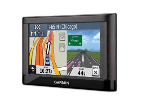 garmin gps nvi 42 lm gamme essential europe 24 pays gratuit vie mises jour de la carte. Black Bedroom Furniture Sets. Home Design Ideas