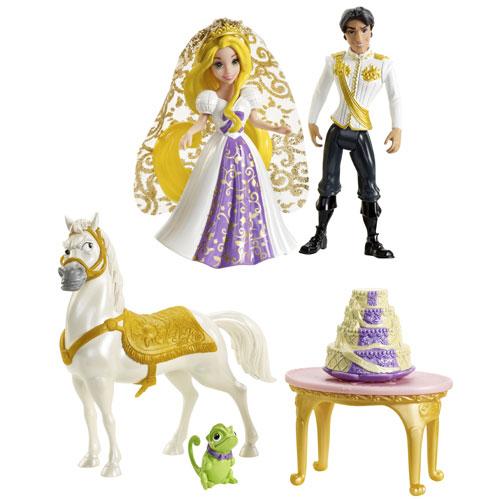 Raiponce, Flynn, Maximus et Pascal réunis tous ensemble le temps du mariage en taille mini autour d´une pièce montée. Un voleur et une princesse : Le mariage qui va faire jaser dans les chaumières.