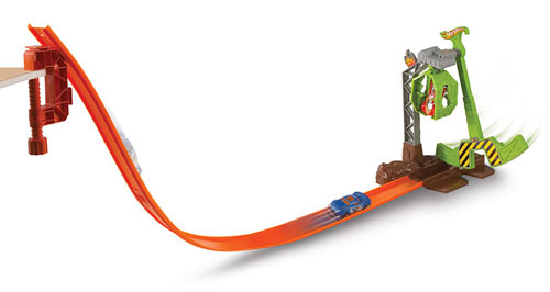 PISTE A PROPULSION HOT WHEELS CLAW ESCAPE : Une mega piste vertigineuse ! 1 véhicule inclus.