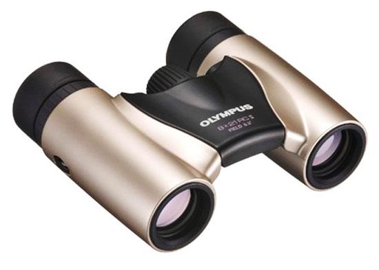 Jumelles de poche à prisme en toit Olympus Trip Light RC II 8x 21 mm. Construction optique : 5 lentilles en 3 groupes, Verre des prismes à index élevé : BaK-4; Intensité lumineuse : 6.8; Champ visuel à 1000 m : 110 m.