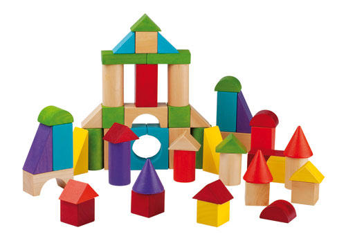 BARIL 100 CUBES DE CONSTRUCTION Les enfants aimeront créer et construire des formes diverses et stimuler leur imagination. De multiples constructions possibles pour les architectes en herbe : villes, tours, paysages. Baril de 100 pièces en théier. Peintur