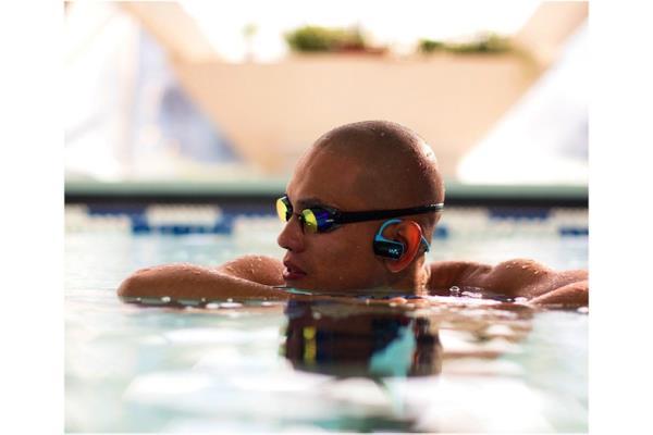 Sony nwz w273 un lecteur mp3 tanche d di aux sportifs for Lecteur mp3 etanche piscine