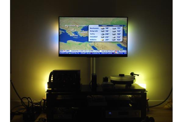 philips hue une lampe connect e pour optimiser votre t l viseur ambilight conseils d 39 experts. Black Bedroom Furniture Sets. Home Design Ideas