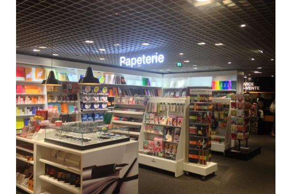 Venez d couvrir l 39 espace papeterie de votre magasin for Papeterie bureau plus