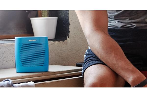 test bose soundlink colour une enceinte bluetooth. Black Bedroom Furniture Sets. Home Design Ideas