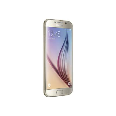 Le design délicat du Galaxy S6 est le fruit de nombreuses heures de recherche et de développement méticuleux de créateurs de Samsung passionnés. Serti de métal, habillé de verre, et galbé à la perfection, le Galaxy S6 a été façonné avec soin pour un résul