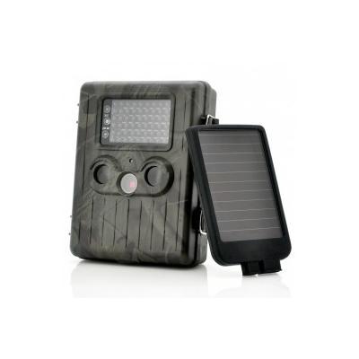 Camera avec batterie rechargeable incluse et un panneau solaire pour le garder en permanence la charge, avec beaucoup de fonctionnalites telles que lenregistrement de la video en haute definition Full HD 1080p, Fonction vision nocturne puissante 54 LED IR