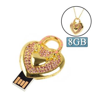 Clé USB 8GB pendentif forme de cur en strass (rose) Clé USB 8GB pendentif forme de cur en strass rose Description : 1. Clé USB de capacité de 8GB de bonne qualité et de haute performance. 2. La Clé USB est composée de matière plastique et est de couleur r