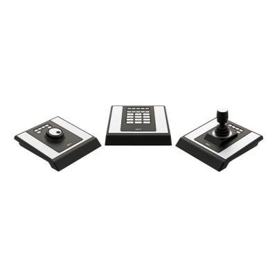 Le tableau de contrôle de vidéosurveillance AXIS T8310 est un système modulaire constitué de trois unités: un joystick, un clavier et une molette. L´utilisateur a la possibilité de choisir une solution simple composée d´un seul module, tel que le joystick