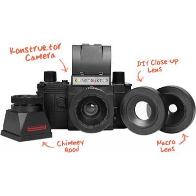 Un Kit complet DIY qui vous permet de construire votre propre appareil reflex 35mm ! Assembler-le et vous serez prêt à shooter d´incroyables photos. Le kit comprend également 2 objectifs gros-plan et un viseur dépliant grossissant pour une visée rapide et
