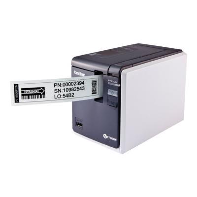 La PT-9800PCN a été conçue pour produire en quelques instants des étiquettes durables d´une qualité exceptionnelle. Elle offre un port réseau 10/100 base Tx. Ce port rend l´imprimante accessible à de multiples utilisateurs. Avec son second port USB, vous