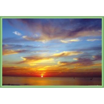 poster encadr couchers de soleil cr puscule vif sur la mer 61x91 cm cadre plastique vert. Black Bedroom Furniture Sets. Home Design Ideas