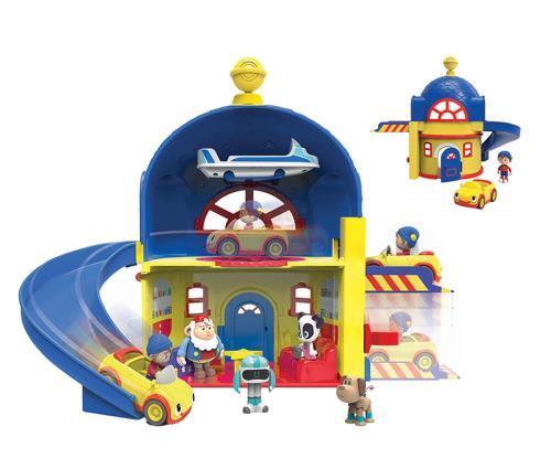 La maison de Oui Oui avec son toboggan et son ascenseur ! Effets lumineux et sonores. Une figurine Oui Oui et sa voiture incluses !