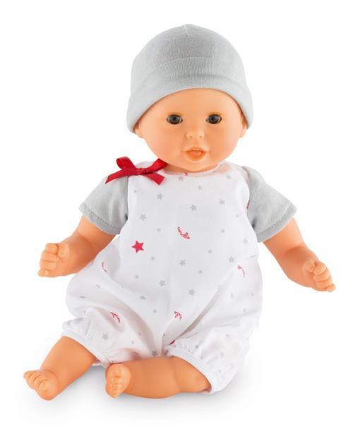 Petit poupon de 30cm réagit dès qu´on presse son ventre : il dit « mama », « papa », fait le bruit du bisou et rit. Légèrement parfumé à la vanille, bébé aura plaisir à le câliner. Boîtier de piles amovible. Fonctionne avec 3 piles AG13 LR44 incluses. Dès