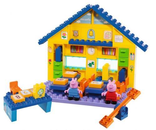 Jeu de construction de 87 pièces dont 2 figurines Peppa et Georges son petit frère. Briques ABS. Pour construire et décorer une école à l´aide des 85 blocs de construction et des autocollants fournis. En plastique.
