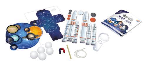 6 expériences amusantes pour découvrir les mystères de l´espace : Le jour et la nuit Les phases lunaires Le système solaire La fusée La carte céleste La chasse aux météorites Contient : 5 boules en polystyrène, bâton, fusée à assembler, mobile en papier,