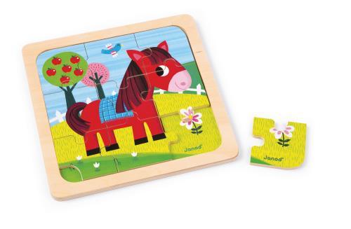 Puzzle en bois illustré sur le thème du cheval. Le support imprimé aidera votre enfant à recomposer plus facilement son puzzle. Une encoche est prévue pour retirer les pièces plus facilement. Tout en s´amusant, votre enfant développera sa motricité et son