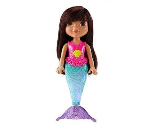 Dora sirène étincelante - DORA devient une sirène magique comme dans le dessin animé. Sa nageoire s´illumine et des couleurs vives clignotent le long de sa nageoire. Elle peut nager dans le bain grâce à sa nageoire qui tourne comme une hélice. - FILLE - À