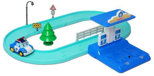 Une fois rechargé sur la station (2 postes de recharge) chaque véhicule avance automatiquement et détecte tous les signaux (feu de stop, barrière.), s´arrête automatiquement lorsqu´il est à moins de 5 cm du véhicule qui le précède et se comporte de manièr