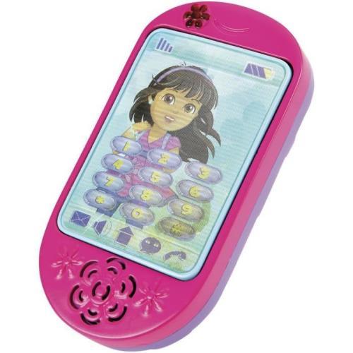 Le Smartphone de Dora est identique à celui du dessin-animé ! ¡Hola, amigos! Maintenant, tu peux parler avec Dora et ses amis pour savoir quelles aventures les attendent aujourd´hui ! Conçu pour ressembler exactement au téléphone de Dora dans le dessin-an