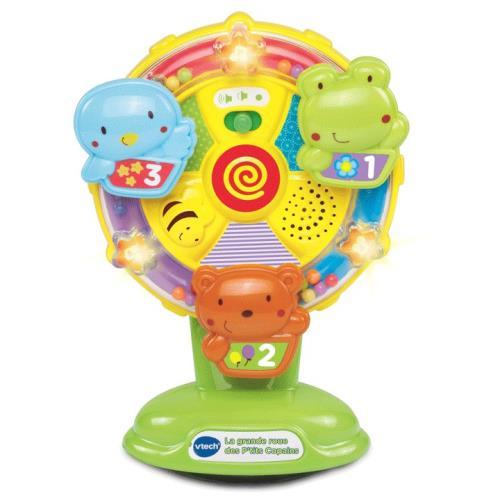 Une roue parlante, lumineuse et musicale avec ventouse pour jouer sans la renverser. Bébé fait tourner la roue et découvre le nom des animaux, leur couleur, des objets et les premiers chiffres. 10 mélodies et 5 chansons. Dès 6 mois. 2 piles LR03 fournies.