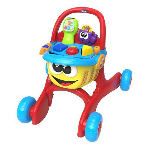 Happy Shopping est un jouet bilingue complet : centre d´activités manuelles et électroniques, scanner parlant pour apprendre ses premiers mots en français et en anglais et aide à marche grâce à ses roues stables et le premier chariot de courses pour imite