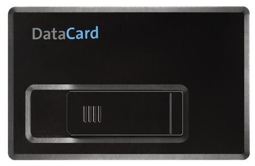 Mémoire externe format carte de crédit - Compatible PC (Windows 98SE/Me/2000/XP), Mac (Mac OS 9 ou supérieur) et Linux 2.4 Interface USB 2.0 (compatible USB 1.1)