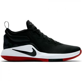 chaussure pour basket ball nike