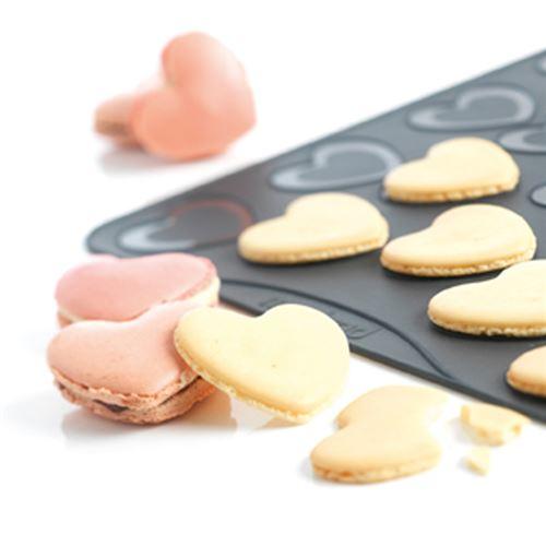 Mastrad - Plaque à Macarons Coeurs - Silicone -