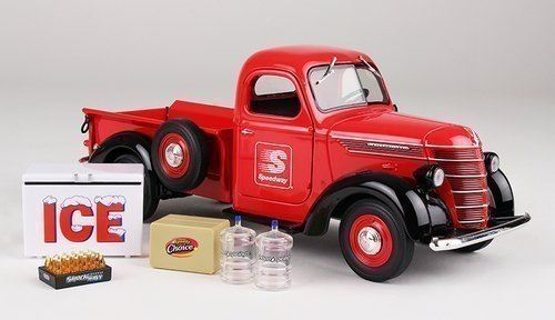 Limited 1st Edition Collector Toy Truck 2015 Speedway 1938 International D2 Pickup 125 Scale
