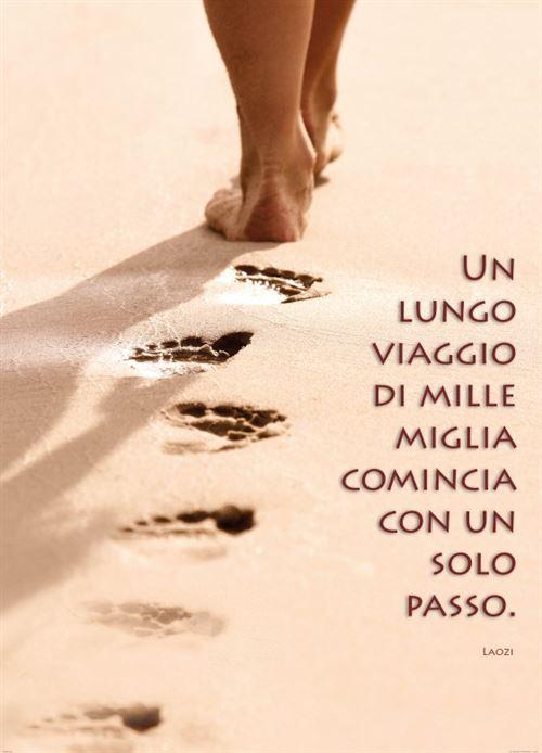 Motivation Papier Peint Photo/Poster - Un Lungo Viaggio Di Mille Miglia Comincia Con Un Solo Passo, 2 Parties (250x180 cm)