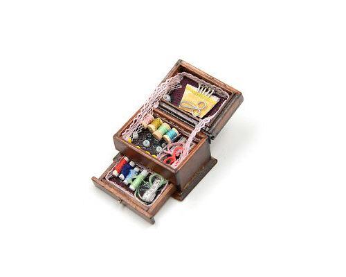 Aiguille de couture Vintage Needlework Box 1:12 Maison de poupéesMiniature Décor