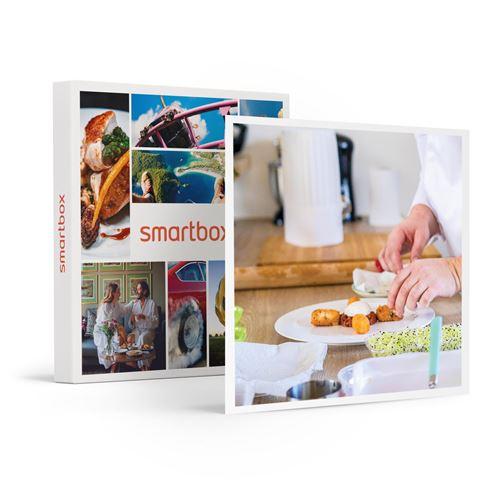 SMARTBOX - Expérience gastronomique à domicile avec menu pour 2 cuisiné et servi à table par un chef - Coffret Cadeau