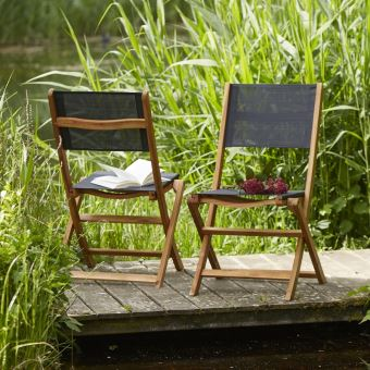 Lot de 2 chaises pliantes en bois d\'acacia FSC et textilène ...