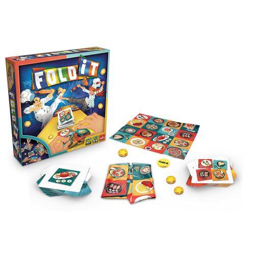 Fold-It est un jeu atypique et particulièrement original. Il se joue avec une nappe quil va falloir plier ! Chaque joueur tient le rôle dun Chef et reçoit une mini-nappe en tissus sur laquelle sont représentées 16 recettes. On pioche alors une carte comma