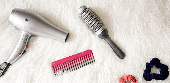 secadores y pinza para pelo