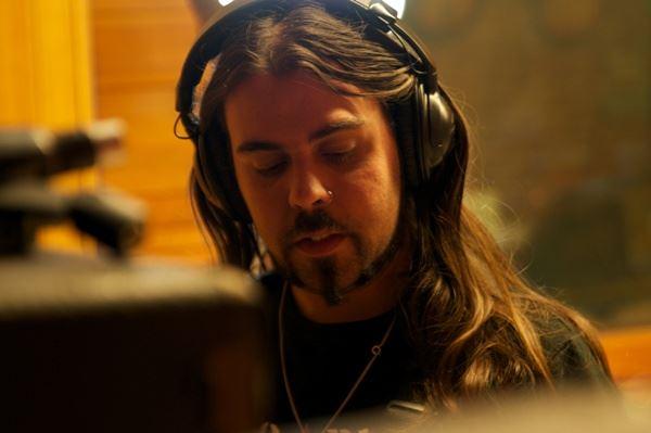 Alfonso Tovales presenta en directo su disco