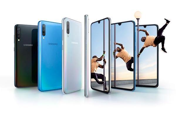 Samsung Galaxy A40 vs Samsung Galaxy A70