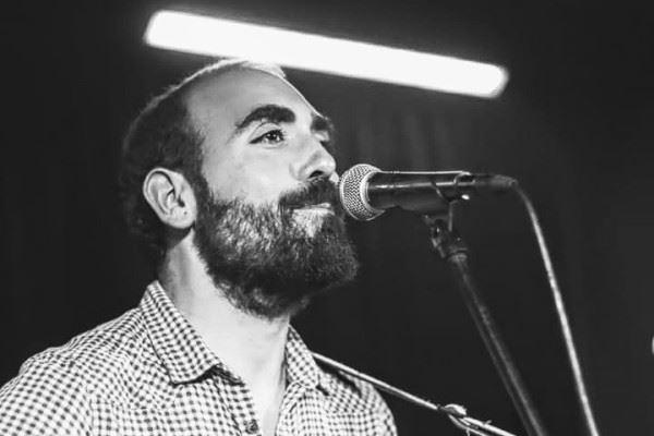 Jorge Navarro presenta en directo su disco
