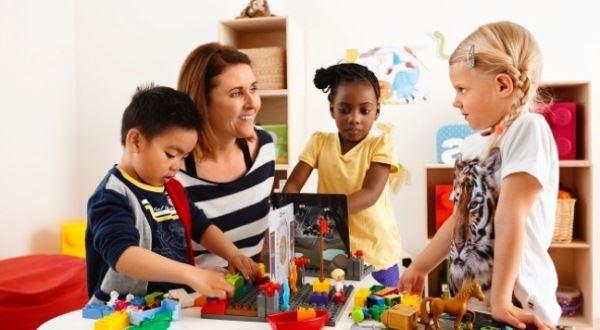 ¡Ven a construir y jugar con LEGO Education!