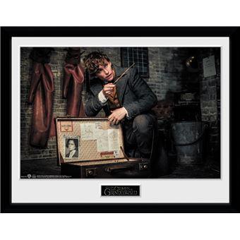 Fotografía enmarcada Animales Fantásticos: Los crímenes de Grindelwald Maleta de Newt 30x40 cm