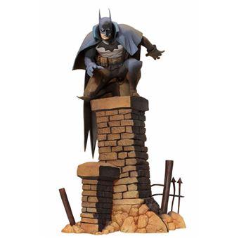 Figura DC Batman - Gotham a luz de gas