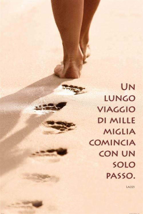 Motivation Papier Peint Photo/Poster Autocollant - Un Lungo Viaggio Di Mille Miglia Comincia Con Un Solo Passo (180x120 cm)