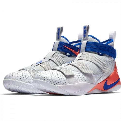 Chaussure de Basket Ball Nike Lebron Soldier XI SFG blanc