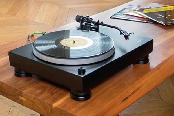 platine vinyle audio technica at lp5 simplicit et musicalit au programme conseils d. Black Bedroom Furniture Sets. Home Design Ideas