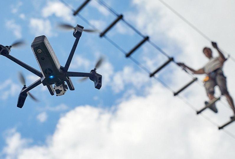 Avec son drone Anafi, Parrot revient dans la course ! - Conseils d ... 47ac22b0f8c7