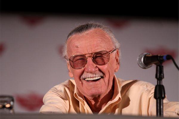 Stan Lee, une vie par monts et Marvel