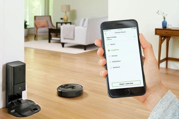 On vous présente le top des aspirateurs en 2021 - iRobot Roomba I7+