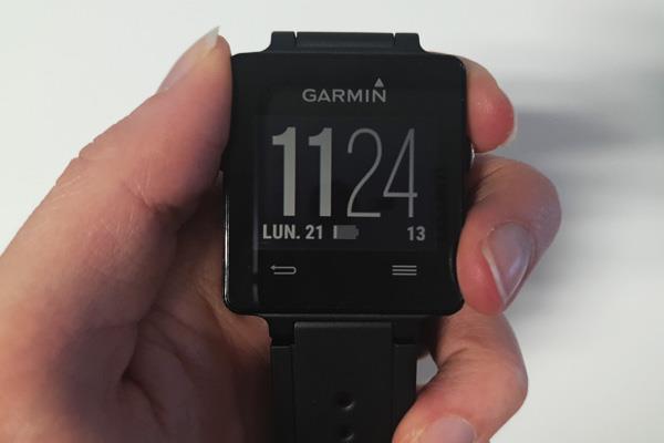 garmin vivoactive une montre connect e pour les sportifs. Black Bedroom Furniture Sets. Home Design Ideas