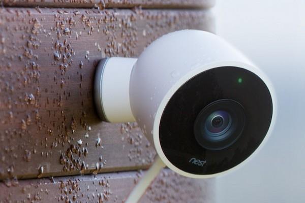 nest cam outdoor une cam ra de surveillance connect e. Black Bedroom Furniture Sets. Home Design Ideas